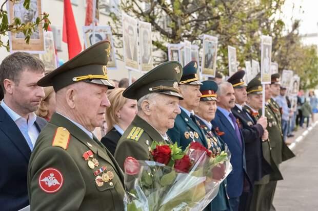 Владимир Шапкин поздравил ветеранов 345-го механического завода в Балашихе