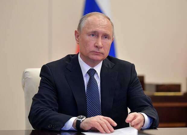 Путин: надо объединить усилия, чтобы до 2026 повысить доходы россиян и снизить уровень бедности