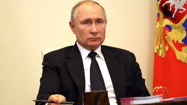 Путин сообщил о необходимости завершить в срок строительство 20 кораблей