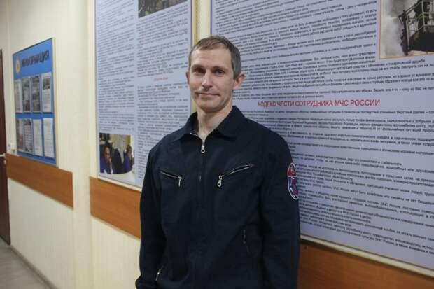 Спасателю I класса Антону Суаресу был вручен ведомственный нагрудный знак МЧС