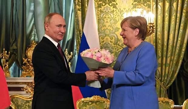 Что знает Меркель? О целях и последствиях двойного визита