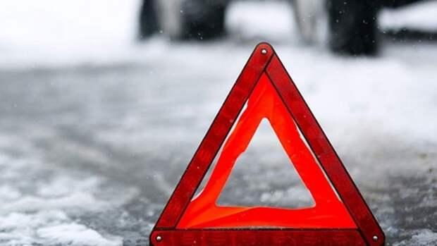 Школьник выбежал из автобуса и попал под машину в Нижегородской области