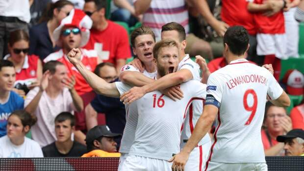 Контрольный матч сборных Польши и России пройдет со зрителями