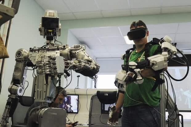 Роскосмос может запустить на орбитув 2024 году антропоморфного робота «Теледроид»