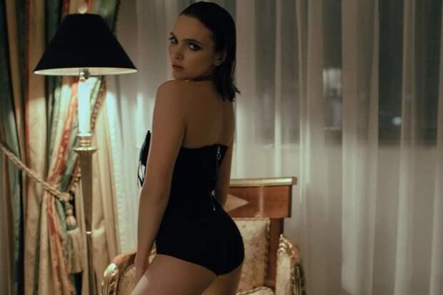 «Дзюбе привет». Российская актриса выложила эффектные секси-фото