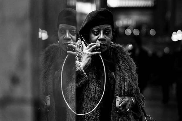 Фотограф умеет оставаться незаметным в любой толпе.