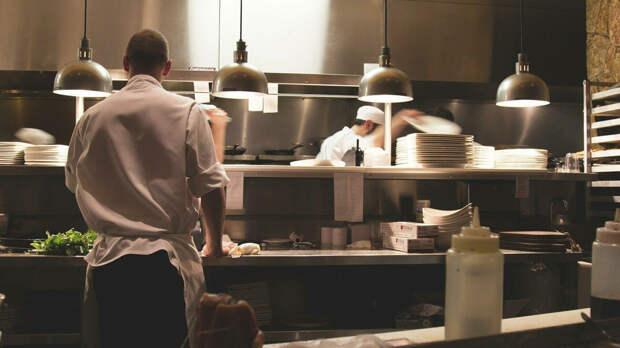 Власти Москвы предложили снизить или отменить НДС для ресторанов