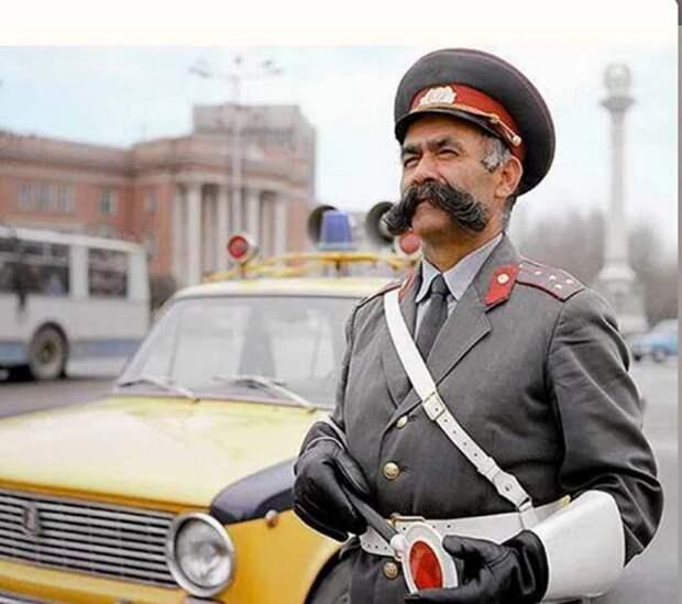 Мулло Нуров - самый честный гаишник СССР, которого до сих пор помнят в Таджикистане!!!
