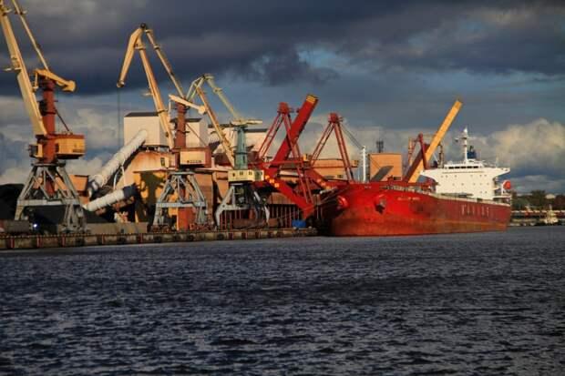 Латвия анонсировала дикие преобразования порта в Риге