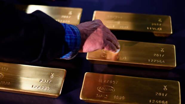 Игра в поддавки: Силуанов спасает доллар от русского золота