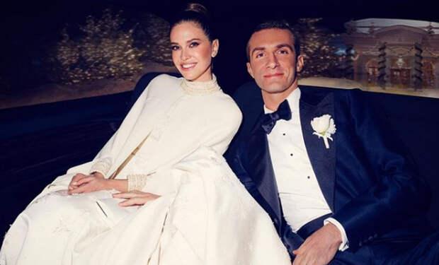 Даша Жукова поделилась новым снимком со свадьбы со Ставросом Ниархосом