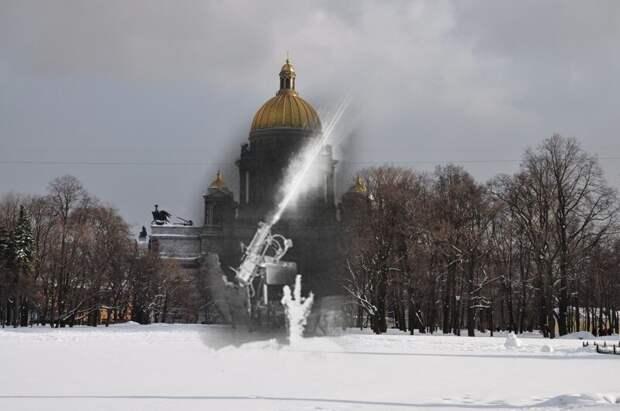 Ленинград 1942-2010 Сенатская площадь. Счетверенный пулемет Максим на службе ПВО блокада, ленинград, победа
