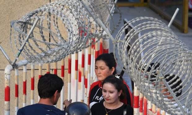 Чтобы опровергнуть обвинения в геноциде уйгуров, власти Китая устраивают фальшивые пропагандистские шоу?