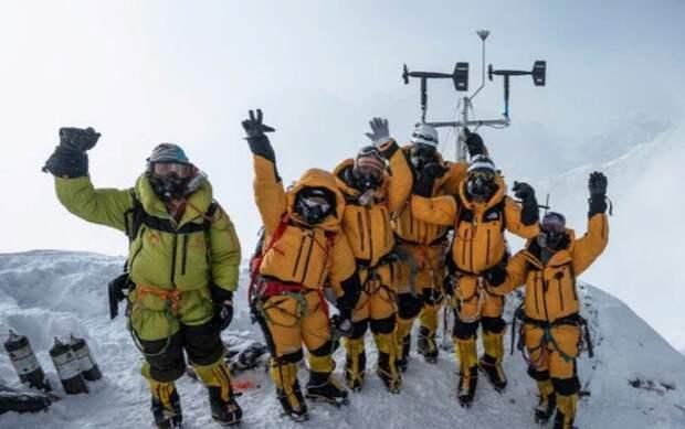 Ученые установили две метеостанции в самых высоких точках мира