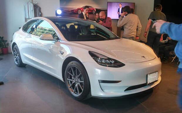 На продажу выставили первую в России Tesla Model 3