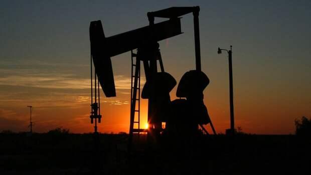 Избыток сырья в мировых нефтехранилищах почти исчерпан