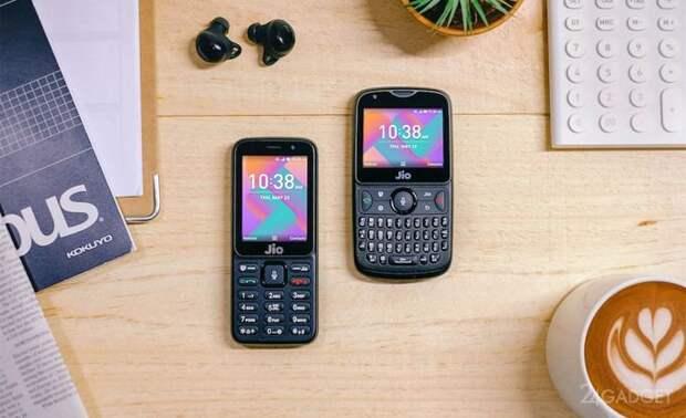 Google создаёт для кнопочных телефонов особую версию Android (3 фото)