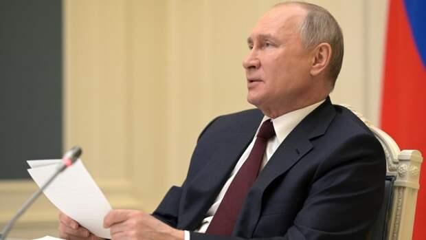 Путин поздравил граждан стран СНГ с Днем Победы