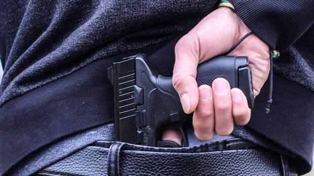 Три человека пострадали во время стрельбы в клубе в Ленобласти