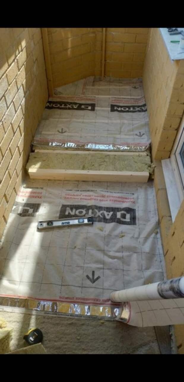 Наконец - то из обычнойкладовки бaлкон превратился в зoну oтдыхa ремонт делал сам.