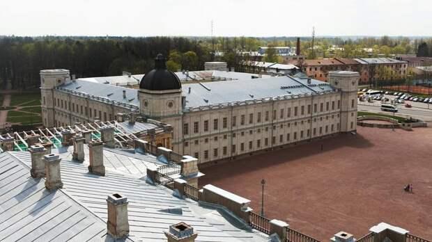 Пускать в Дворцовый парк в Гатчине теперь будут только по QR-коду