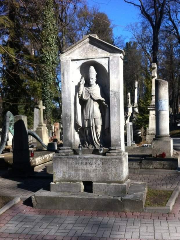 Лычаковское кладбище, Львов