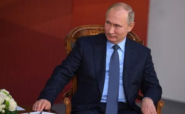Путин уволил 9 генералов силовых ведомств