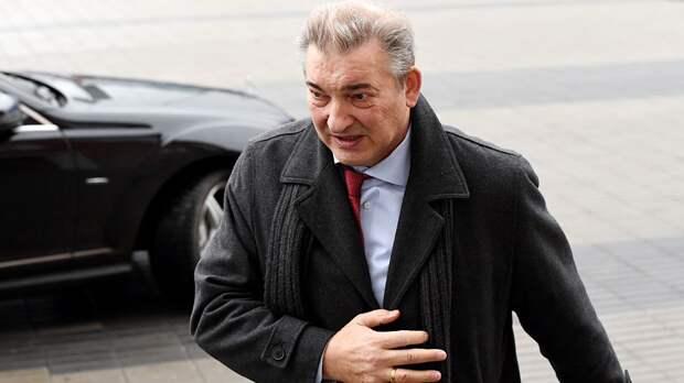 Знаменитый хоккеист Третьяк судится за элитное жилье в Сочи. Он претендует на квартиру алмазного олигарха Демьянова