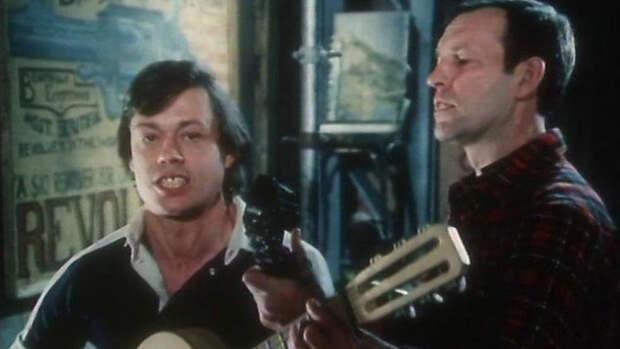 Николай Караченцов в фильме «Трест, который лопнул» (1982)