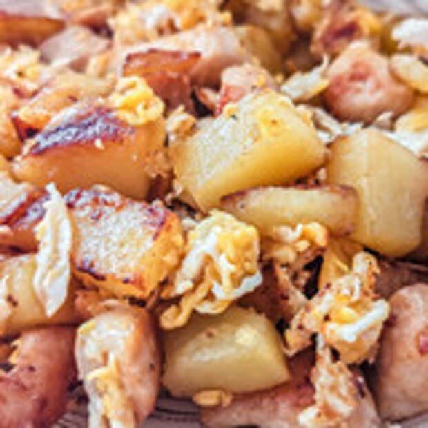 Рецепт жареной картошки с курицей и яйцом