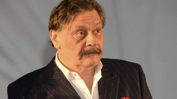 Критикующий парад Победы актер Назаров решил объясниться за свое стихотворение