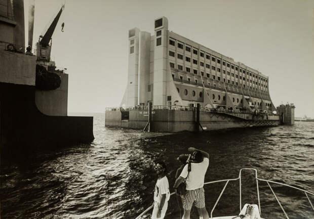 Невероятное путешествие одного плавучего отеля