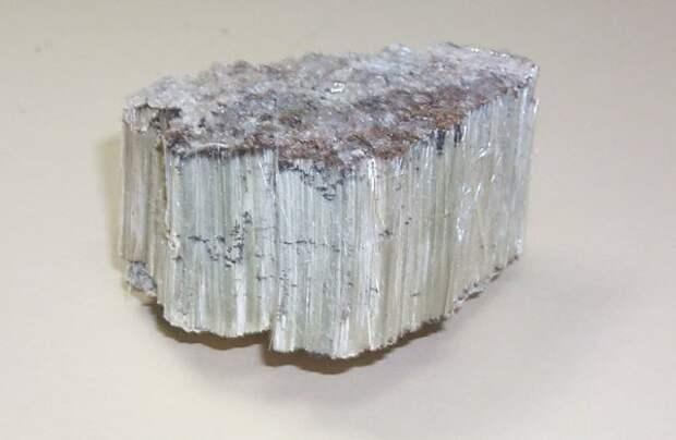 https://listverse.com/wp-content/uploads/2013/03/asbestos_piece.jpg
