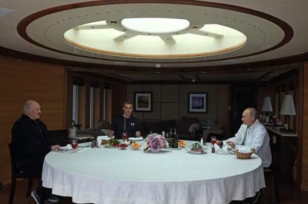 Неформальная встреча Путина си Лукашенко на яхте, 29.05.21.jpg