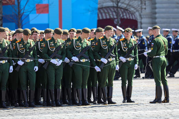 Генеральная репетиция парада Победы началась в Москве