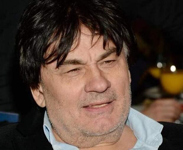 Концертный директор Серова заявил, что в состоянии певца наметилась положительная динамика