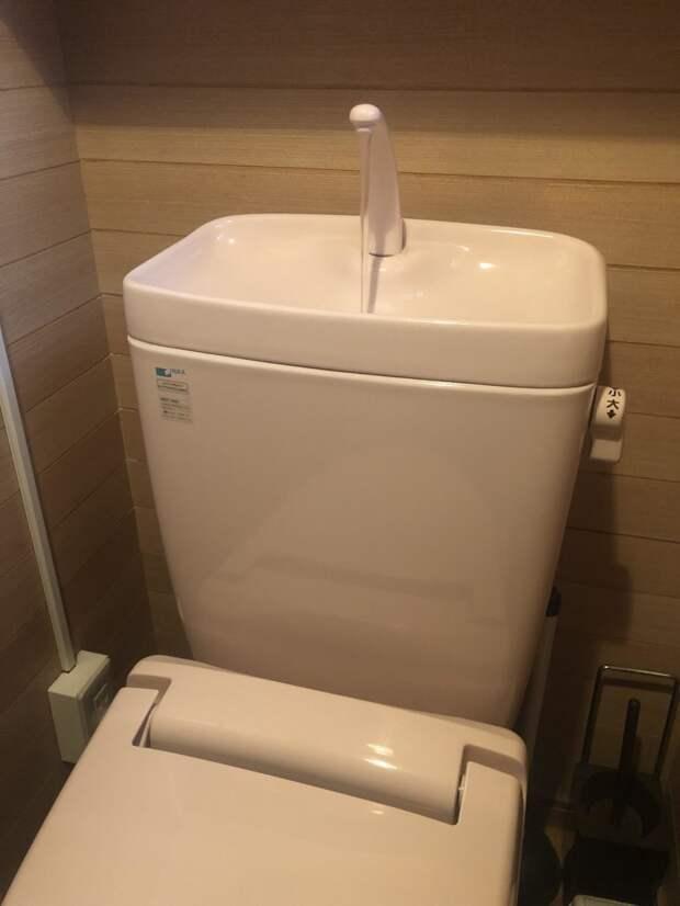 11. Японский унитаз с встроенной раковиной. Вы можете помыть руки и использовать эту же воду для смыва в мире, гениально, изобретения, на заметку, удобно, хитрости