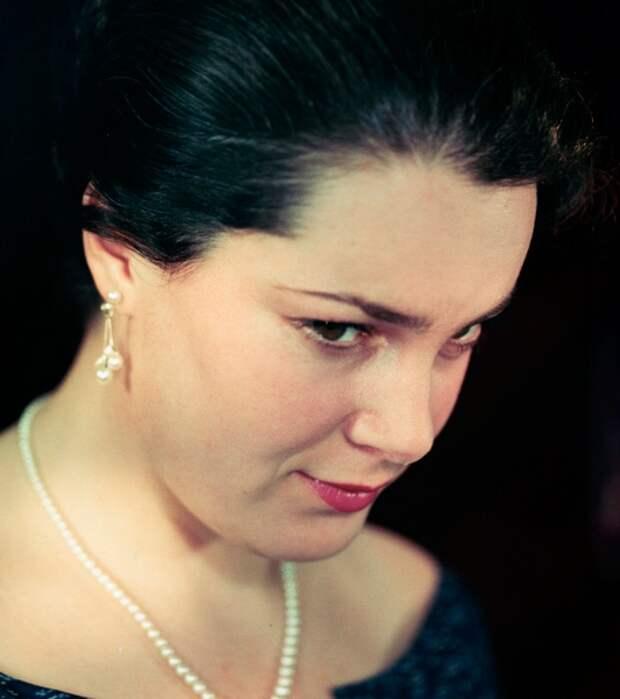 Как выглядела в детстве незабвенная Элина Быстрицкая и как преображалась ее красота на протяжении жизни, изображение №2