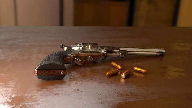 Жители Кемеровской области обнаружили ржавый пистолет и растерялись