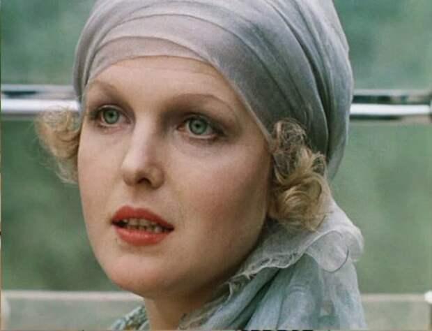 Елена Соловей в фильме *Раба любви*, 1975 | Фото: kino-teatr.ru