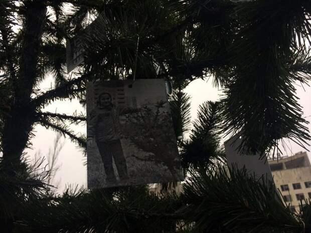 Фото: В Припяти впервые после Чернобыльской аварии поставили новогоднюю ёлку