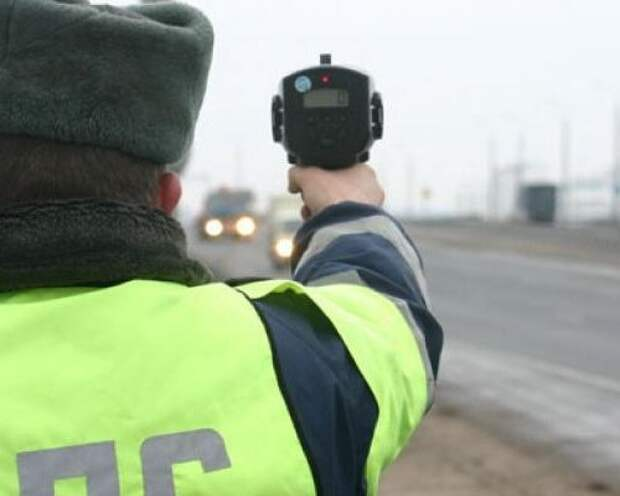 МВД: Сотрудники ГИБДД по-прежнему могут использовать ручные радары