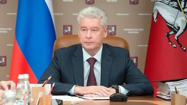 Собянин вручил столичным медикам премии Москвы за 2020 год