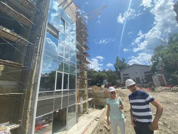 Строительство спортбазы «Авангард» в Ялте ведется согласно установленного графика