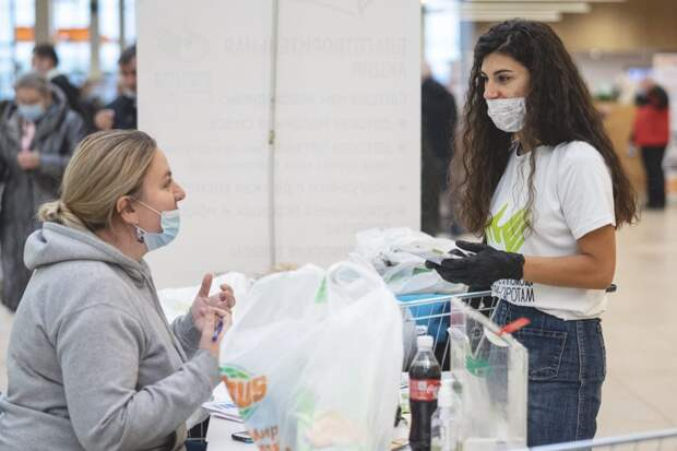 Акция в одном из торговых центров / Фото предоставлено фондом «Волонтёры в помощь детям-сиротам»