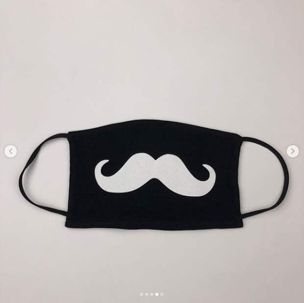 Другие забавные узоры на масках тоже в тренде (instagram.com/wendy.com.ua).