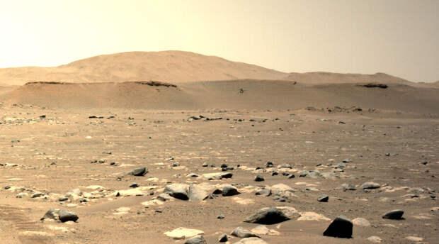 Вертолет NASA уже вовсю летает по территории Марса