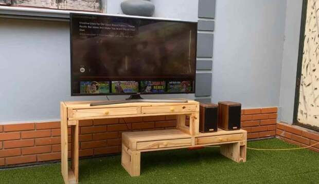Дешевая тумба под большой телевизор — как сделать из деревянных поддонов. Дешево и сердито