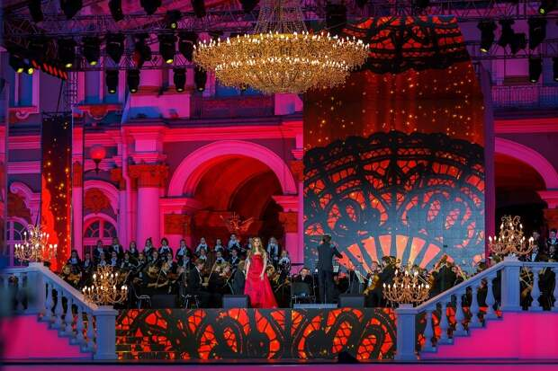 «Медовый тембр» и «голос до звёзд». «Классика на Дворцовой» познакомит с лучшими в опере