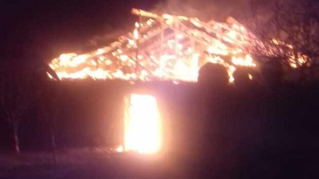 В Бахчисарайском районе горела хозпостройка